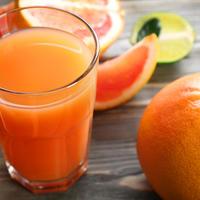 Grejp citrusi agrumi sok shutterstock 363376031