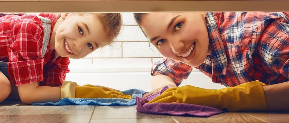 ciscenje kuce, Shutterstock 383146987