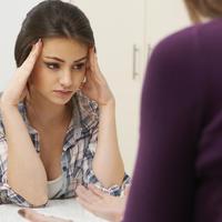 žena zabrinutost bolest shutterstock