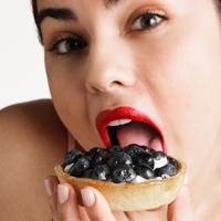 Kilogrami, mrsavljenje, slatko, dijeta, zena jede
