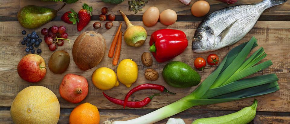 Hrana, prehrana, stol, voće, povrće, riba, meso, Shutterstock 251594866
