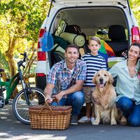 obitelj automobil. Shutterstock 282306653