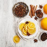 Aromaterapija, citrusi, zima, klinčić, začini, shutterstock