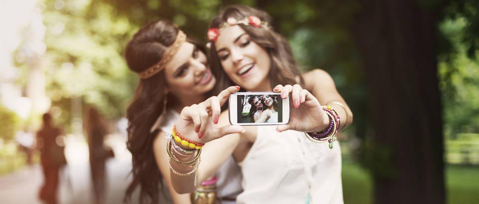 selfi, Shutterstock 198888305