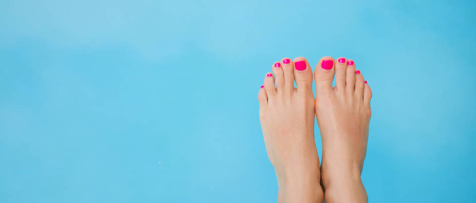 Nokti stopala crveni nokti noge shutterstock 283875812