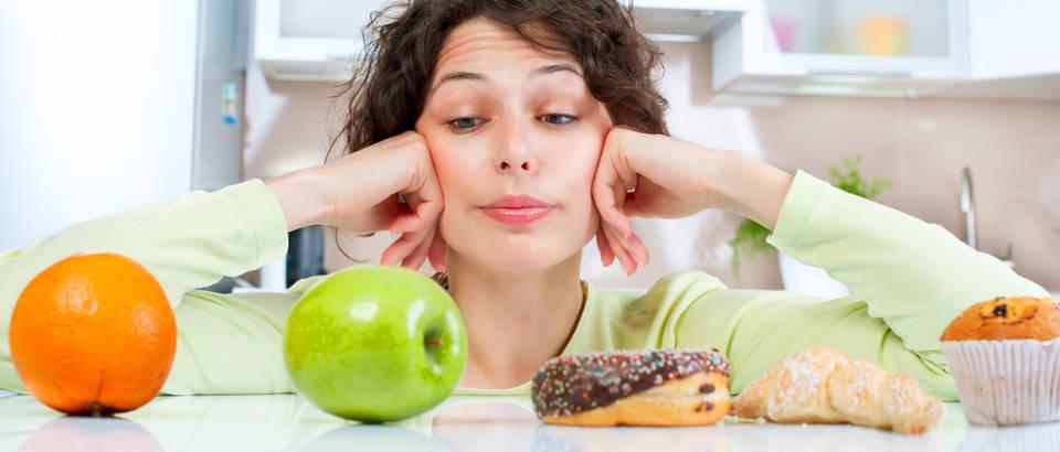 Dijeta kalorija kolači voće shutterstock 160203056