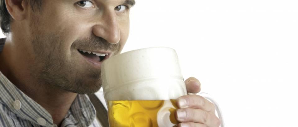 Muskarac, pivo, alkohol