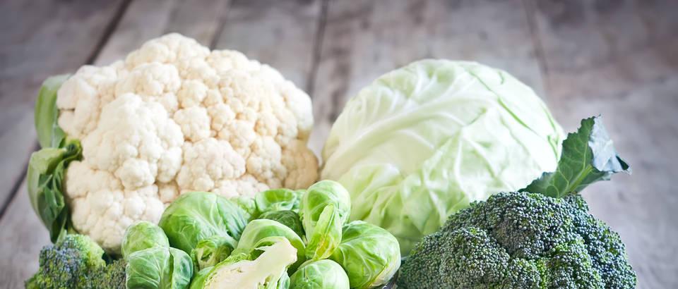 Brokula cvjetača prokulica kupus povrće zeleno shutterstock 287555867