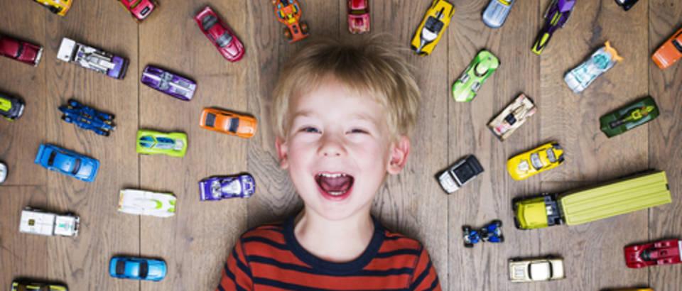 shutterstock, igra, dijete, autoci