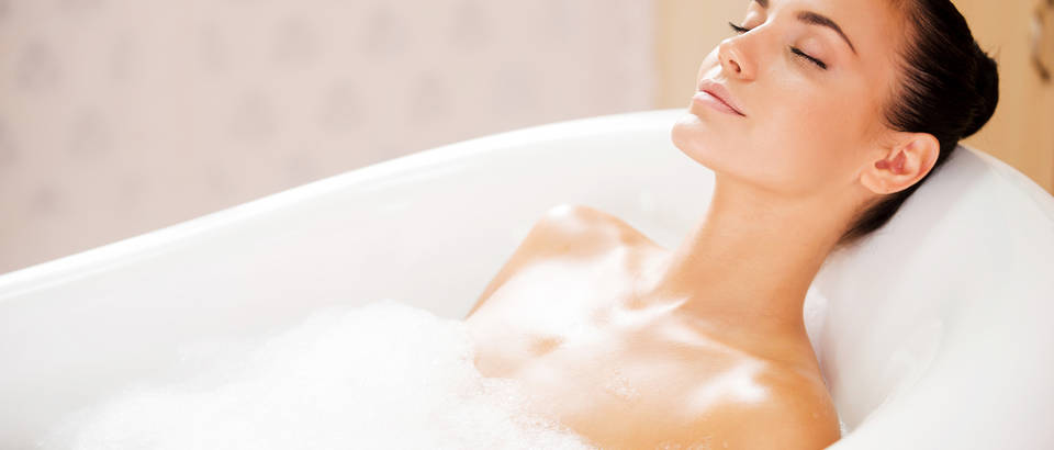 Kupanje kupka žena opuštanje koža njega odmor kada pjena shutterstock 216550216