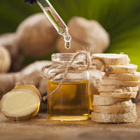 đumbir, ulje od đumbira, Shutterstock 438753784 (1)