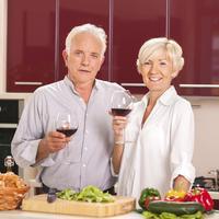 Stariji par, zdrava hrana