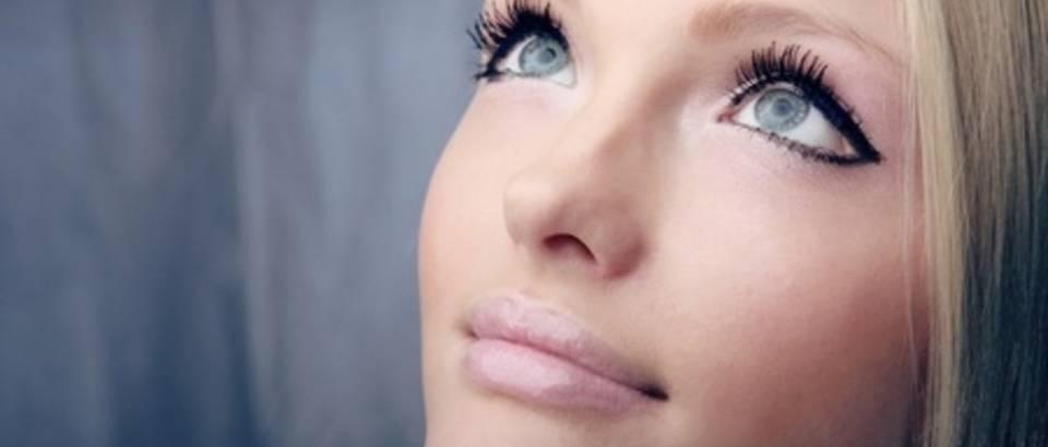 lice, lijepa zena, ljepota, sminka, tus za oci, eyeliner