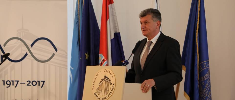 Ministar Milan Kujundžić