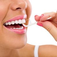 zubni konac, Shutterstock 216891154