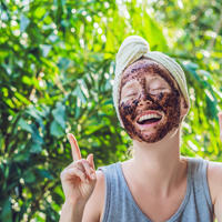 kava, lice, maska Shutterstock 1044744016