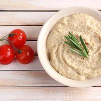 Hummus shutterstock 188034242
