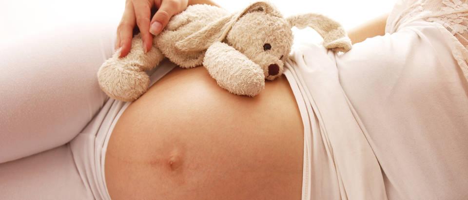 Trudnica igracka trbuh