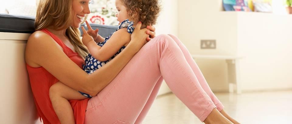 mama i dijete, kcer, roditeljstvo, shutterstock