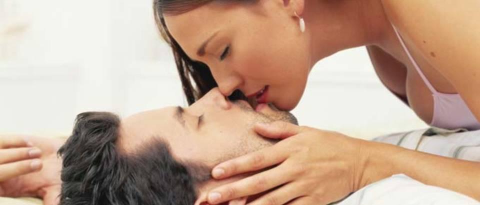 seks-par-ljubav-veza-poljubac7