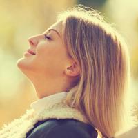 Disanje sunce jesen priroda zrak opuštanje žena svjetlost shutterstock 316378850