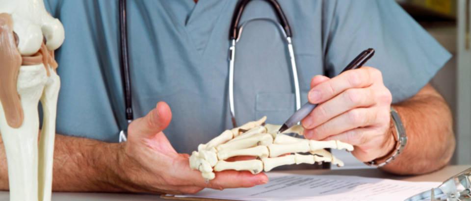 ortoped, lijecnik, kosti