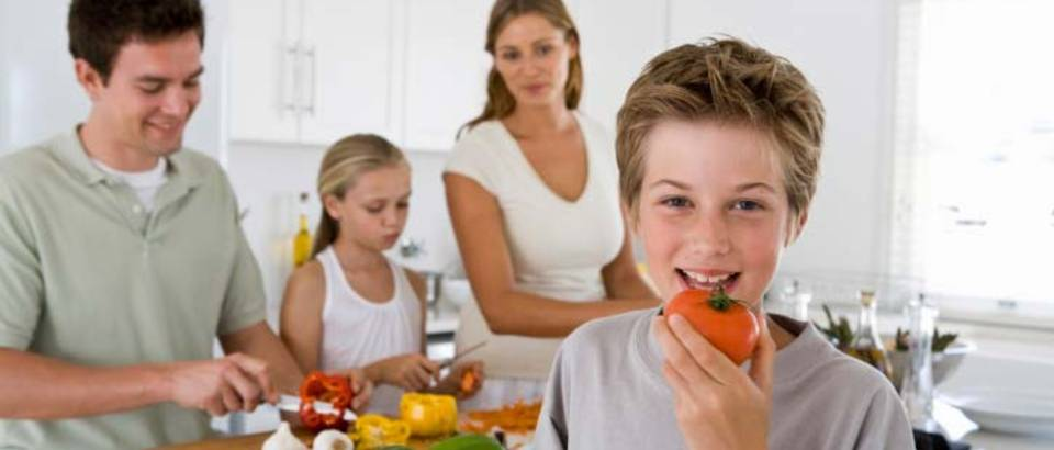 Obitelj, zdrava hrana, povrce