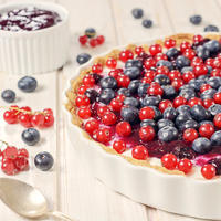Bobicasto voce ribiz borovnica pita kolac tart shutterstock 202255225