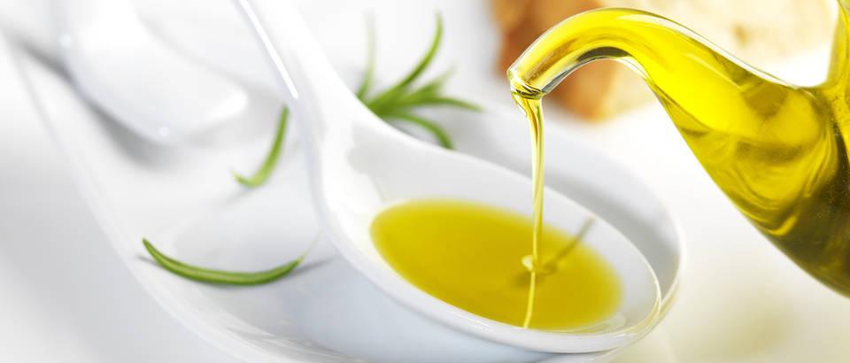 maslinovo ulje, Shutterstock 131398685