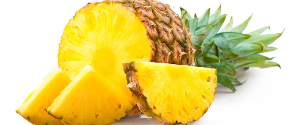 Ananas mangan  shutterstock 99274691