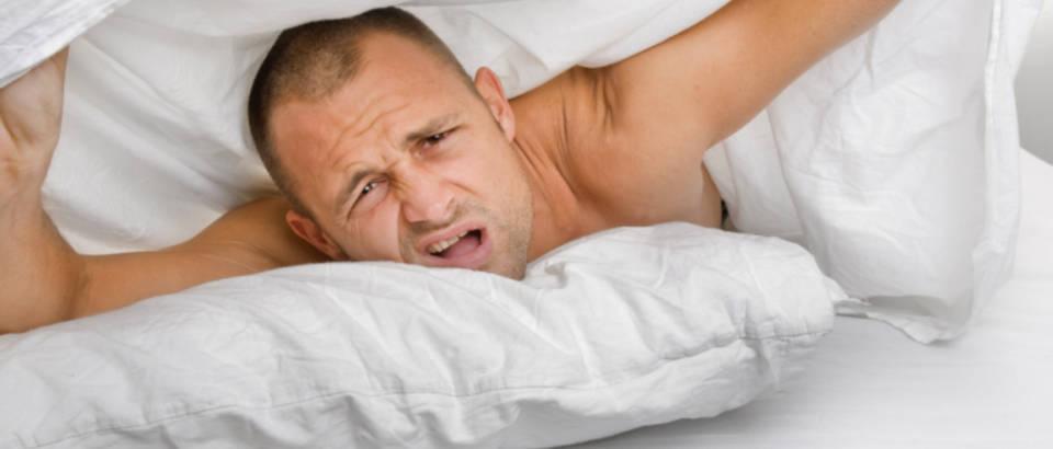 muskarac, krevet, plahta, spavanje, budenje