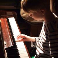 Dijete, klavir, talent