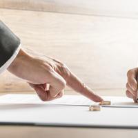 razvod braka, vjencano prstenje, Shutterstock 291867110