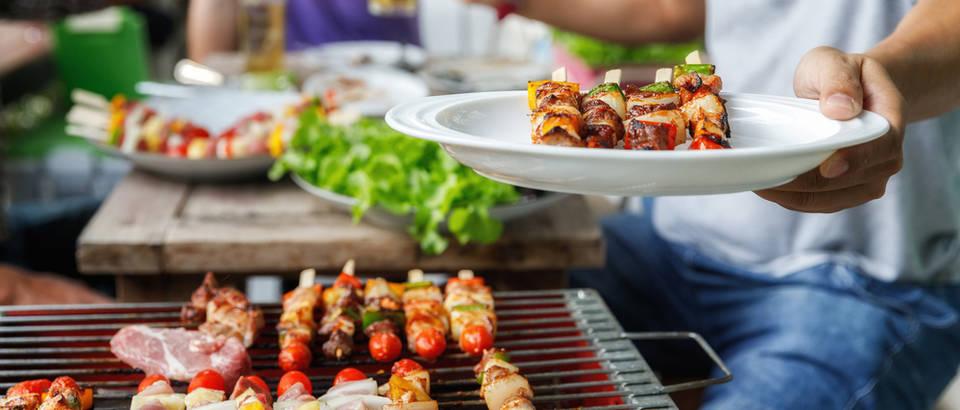 Roštilj, hrana, ručak