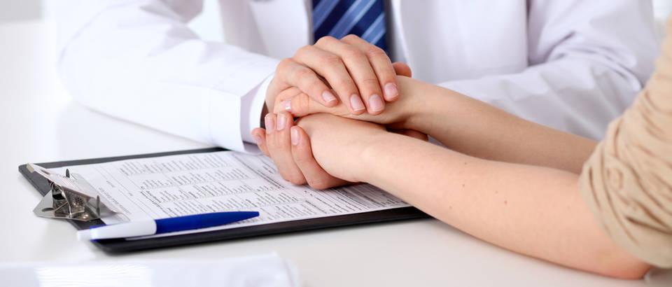 lijecnik i pacijent, doktor, Shutterstock 439022674