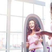 mrsava djevojka, Shutterstock 276808691