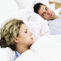 par-krevet-san-hrkanje-svada-problem-brak