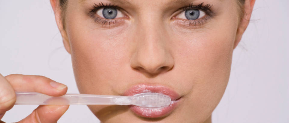zubi-cetkica-pranje-zadah-zubar-stomatolog