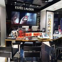 estee lauder, Shutterstock 371719114