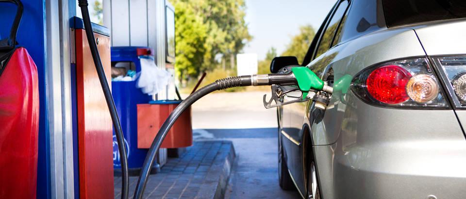 pumpa benzin