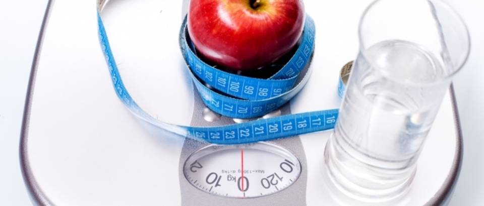 vaga, jabuka,debljina, pretilost, mrsavljenje, kalorije