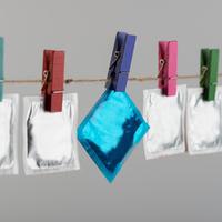 kondom, Shutterstock 573681235