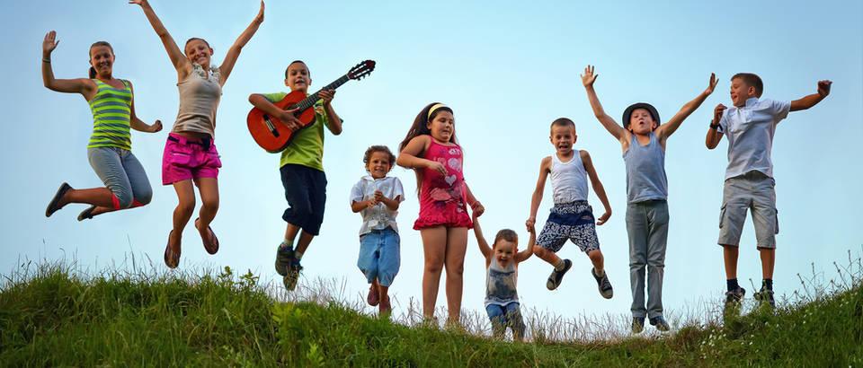 Djeca sretna