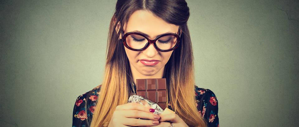 čokoloada stres tuga djevojaka shutterstock 383797723