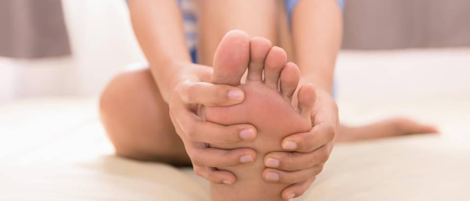 Bolove u stopalima ublažite odmah uz 4 jednostavna trika - Ordinacija.hr