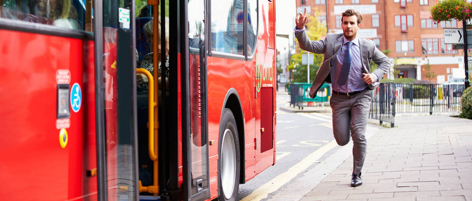 autobus, trcanje, Shutterstock 217875652