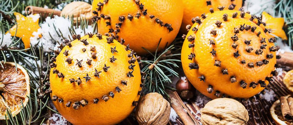 Klinčić naranča božić blagdani shutterstock 344174843