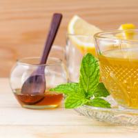 čaj med menta metvica prehlada topli napitak shutterstock 311402663