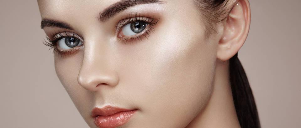 lice puder ljepota zena oci trepavice Shutterstock 302146985