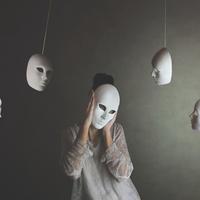depersonalizacija, maske, depresija